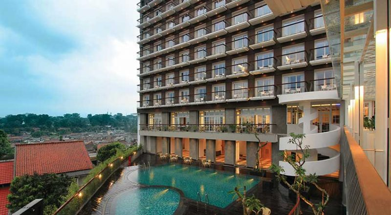 101 Surya Kencana Pool