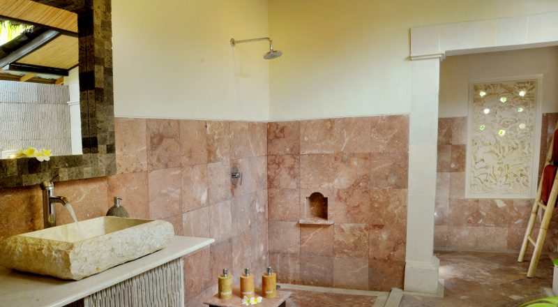 Coral View Deluxe Bathroom