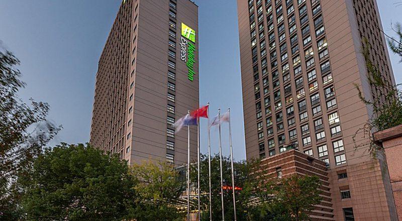 Holiday Inn Express Shanghai Wujiaochang (8)
